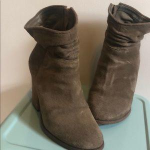 Size 7 Jessica Simpson booties
